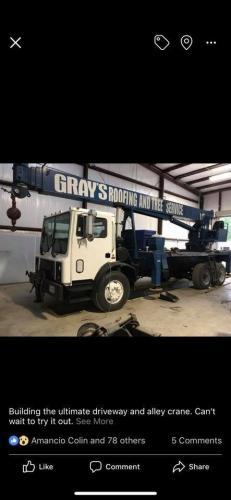 grays roofing crane truck